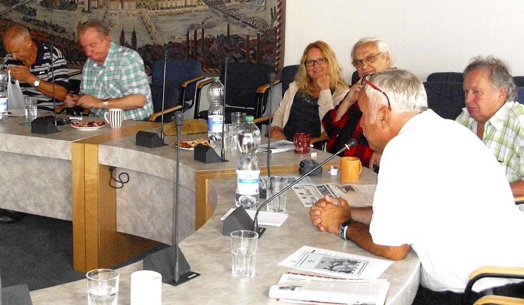 Setkání v Národním muzeu_ Dr.Jordan, Míla Kašna, Suchý a Pokorná